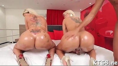 Tranny gets her wazoo pushed hard
