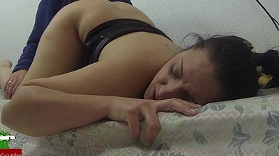 She'_s sleeping while he masturbates her.IV015