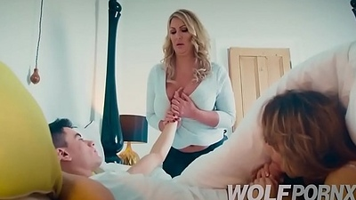 My lover Fira Ventura gets very horny and gives me a blowjob under