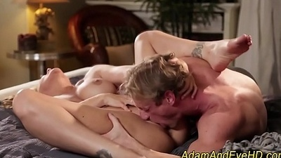 Blonde milf gets licked