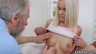 Lover assists with hymen checkup and reaming of virgin cutie